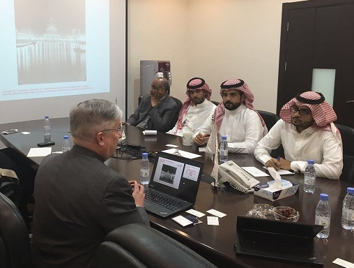 UL staff meet with representatives from international organizations.